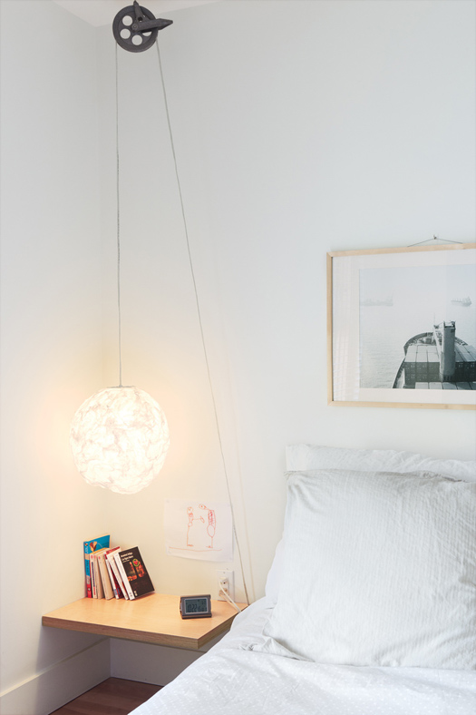 bedroompendantlightdwellThibault-clothesline-pulley-bedside-light